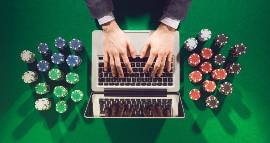 What are the reasons to gamble on the internet?